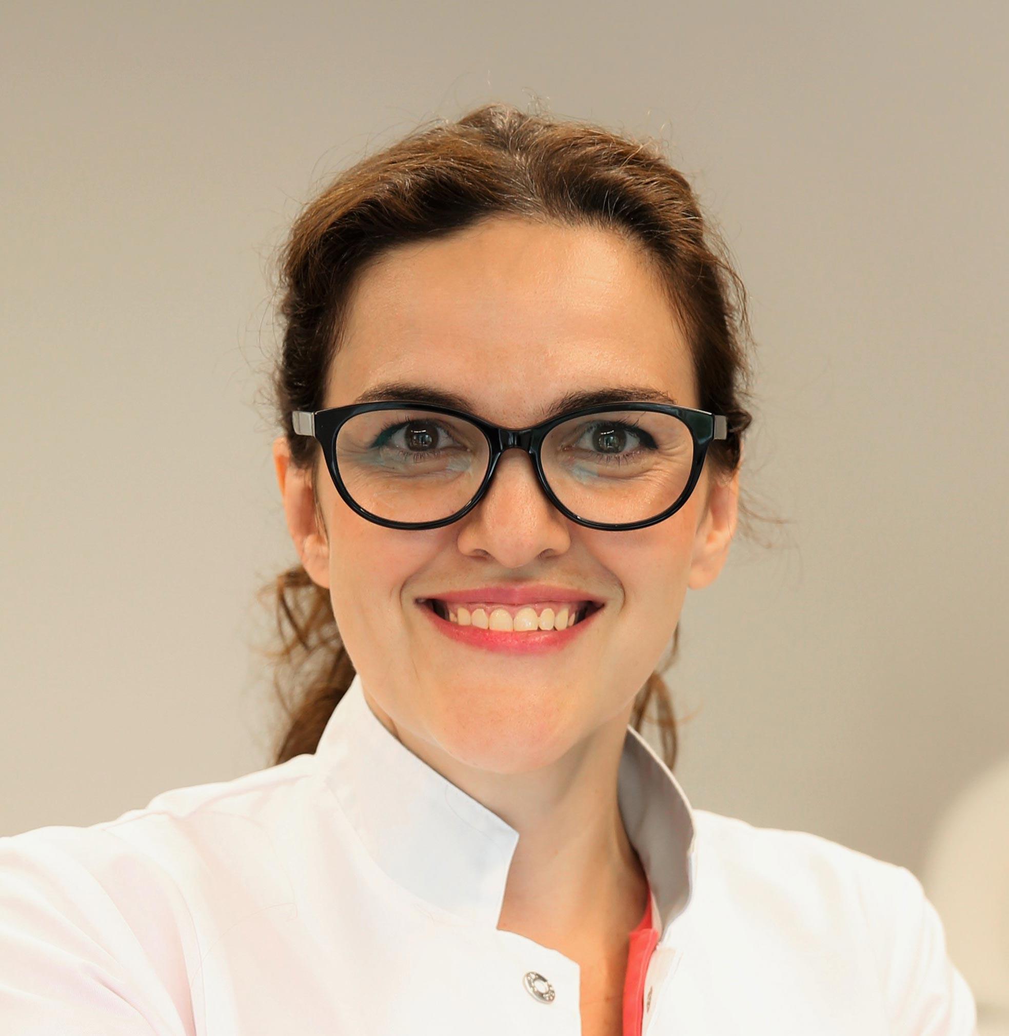 Dr. med. (bg) Alina Staikov, Fachärztin für Gynäkologie