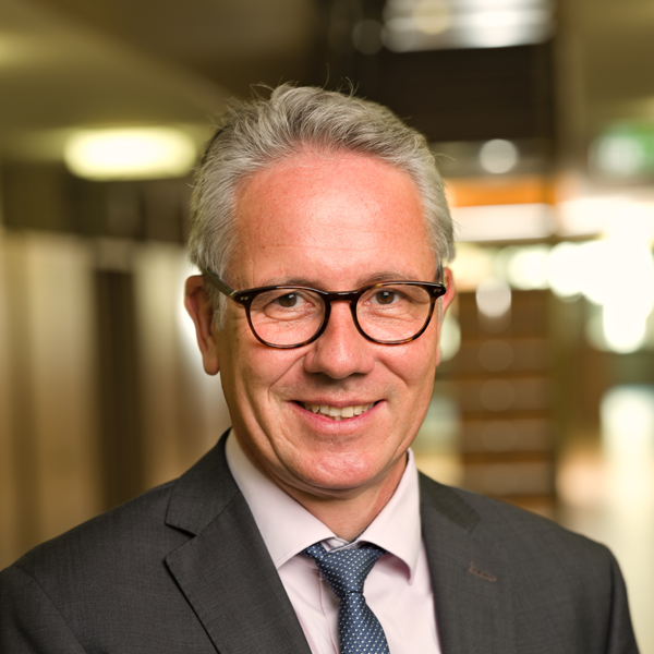 Dr. Ulrich Seewer
